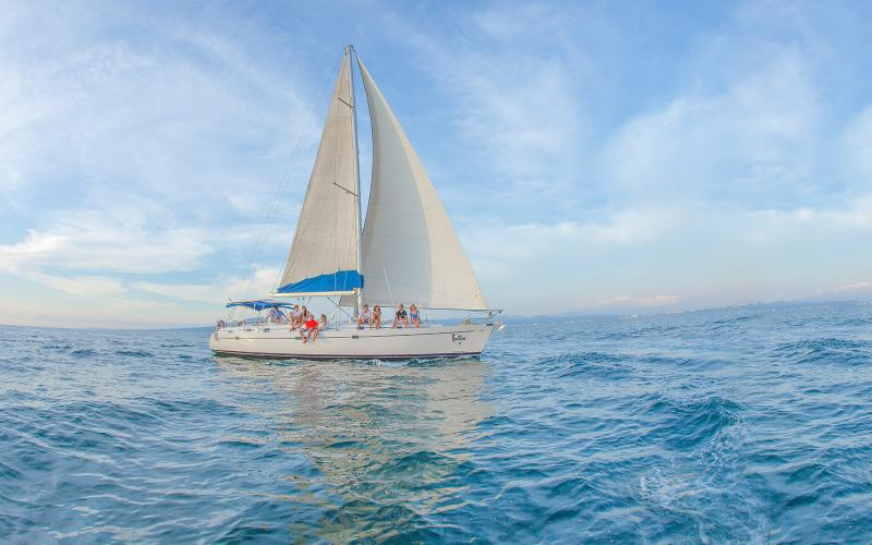 Luxury Sailing and Snorkeling|