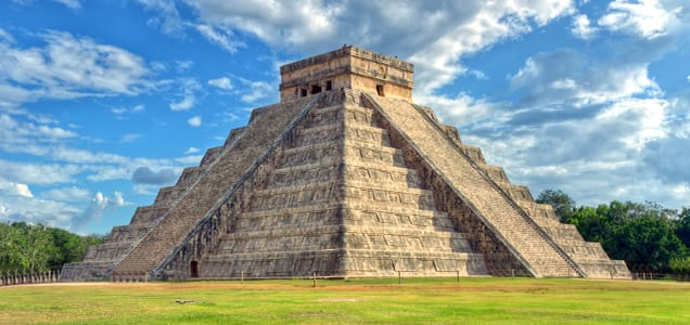 Chichen Itza Pyramids in Cancun|