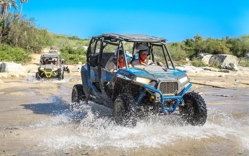Cabo vacationers on Cabo utv tour|