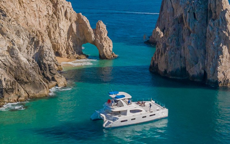 snorkel in the two most beautiful bays of Cabo|