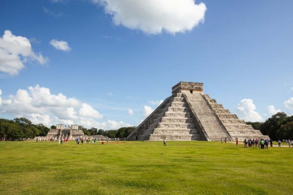 Explore the highlights of the Great North Platform including El Castillo and the Temple of Warriors
