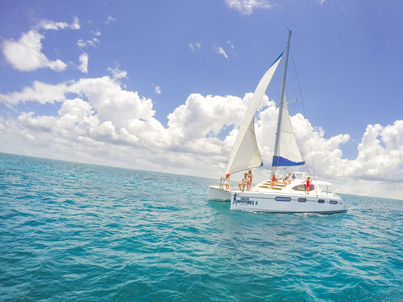 honeymoon sail boat in the riviera maya